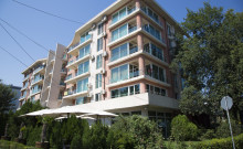 Blocul Sveti Vlas Mamaia este situat intr-o zona verde, in apropierea Hotelului Parc.