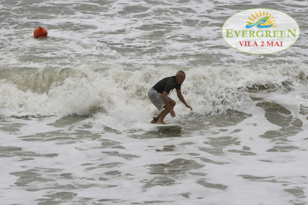 surf in 2 Mai